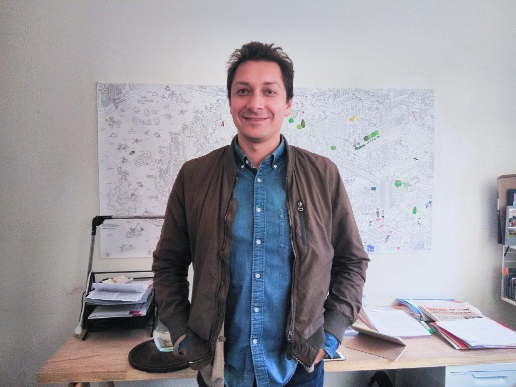 Foto de Javier Vergara, fundador de Ciudad Emergente